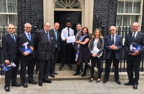Handing in air pollution report 16.5.2016