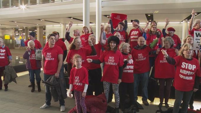 Heathrow flashmob 21.11.2015