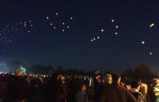 Lanterns in the sky against NDDL and in memory of Remi Fraisse (Sivens)
