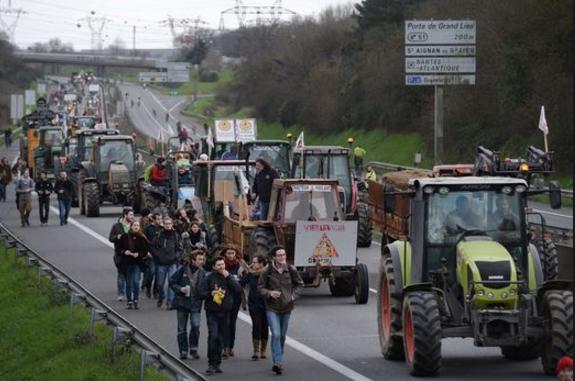 Nantes marching along 9.1.2016