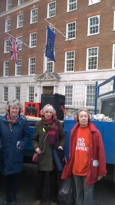 noise_campaigners_outside_Europe_House_3